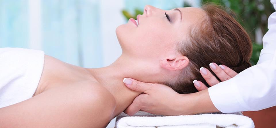 masajul vertebrelor cervicale pentru a îmbunătăți vederea